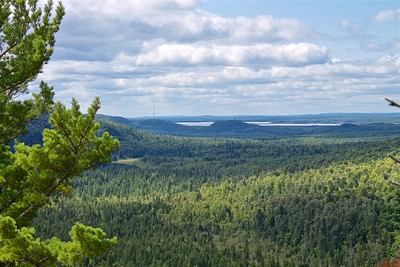 Palisade Head and Lake Superior in the background.