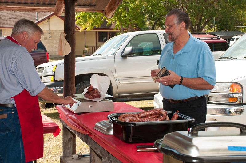 Sausage by the pound sold at the barbecue pits.
