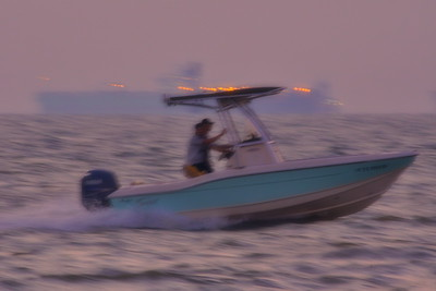 09292017_Texas_City_Dike_Blurry_Fishing_Boat_500_2298