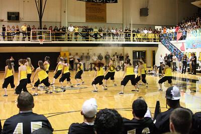 Jacket Dancers Sept 3, 2008 Pep Ralley (20)