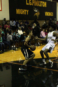 Cleburne vs Dallas Pinkston Nov 30, 2013 (18)