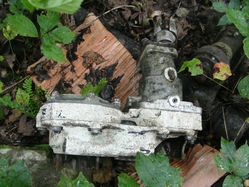 Hydraulic motor (flaps?) with a TTA serial number stamped into it.