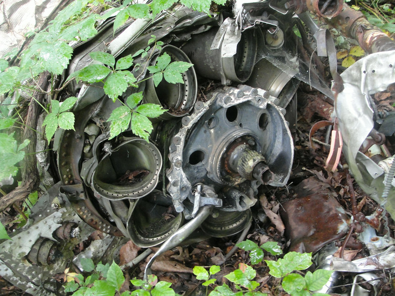 This is where the aft ends of the burner cans were once attached.