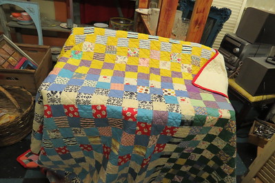 simple squares with alternating plaim fabrics in no particular order