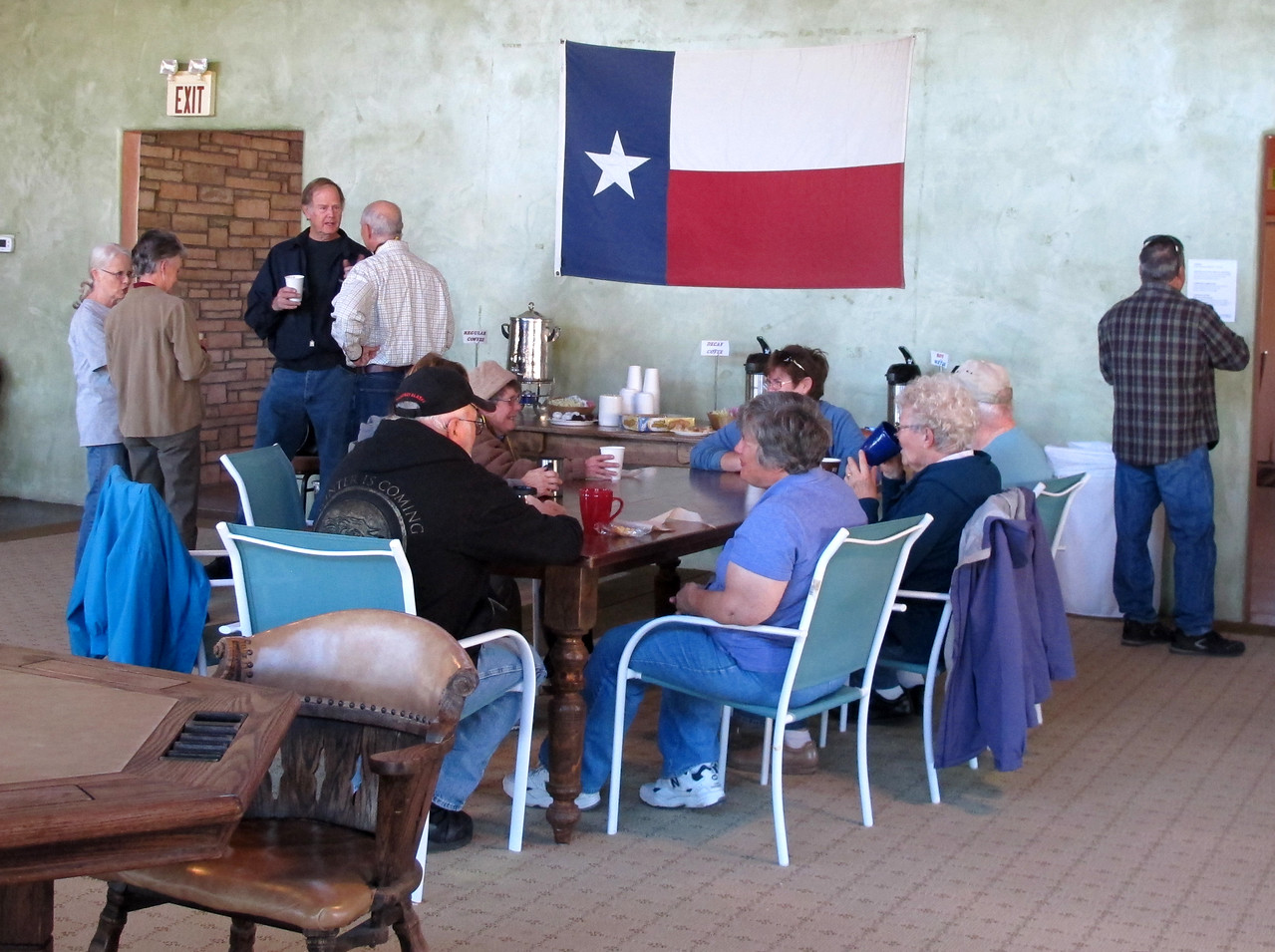 Earlybirds have  morning coffee with their Casita peeps. Some of them brought baked goods to share.