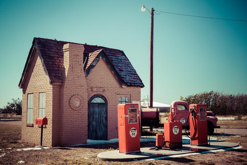 1928 Phillips 66 Station