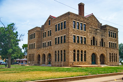 Archer_County_Courthouse_Corner-view_RAW9998