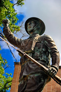 Closeup of WW1 Doughboy Statue