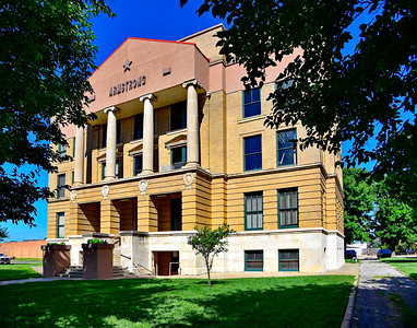 Armstrong County Courthouse, Front Facade