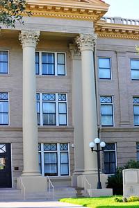 Exterior Details:  Front Columns