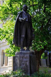 Statue of Moses Austin at San Antonio City Hall