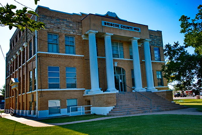 Briscoe County Courthouse Entrance