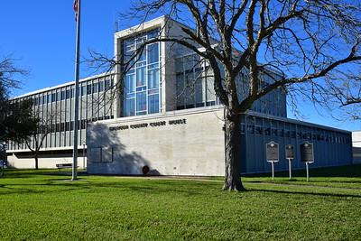 02222017_Calhoun_County_Courthouse__750_0838