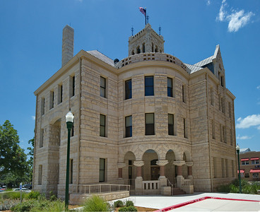 Comal_County_Courthouse_entrance_DSC0254