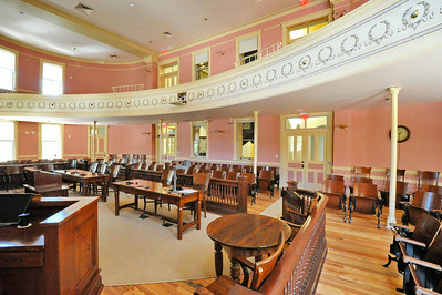 Comal_County_Courthouse_courtroom_DSC0271