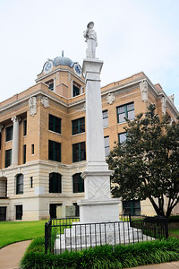 Cooke County Courthouse, Gainesville, Texas Confederate Soldier Memorial