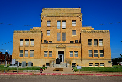 Cottle County Courthouse, Front View
