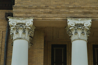 Fort Bend County Courthouse, Richmond, Texas Columns