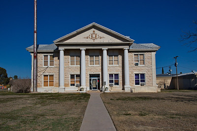 Glasscock_County_Courthouse_front_RAW0648