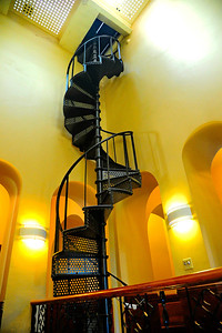 Gonzales_County_Courthouse_Spiral-stairwell_Tower_RAW4122