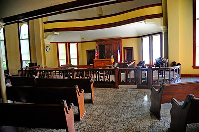 Gonzales_County_Courthouse_Courtroom_RAW4119