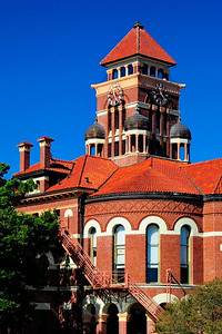 Gonzales_County_Courthouse_Tower_RAW4140