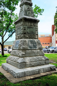 Confederate Soldier Memorial, Grayson County Courthouse Grounds