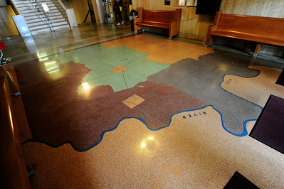 Grayson_County_Courthouse_Map_on_Floor_RAW7119