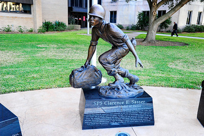 Sp5 Clarence E. Sasser, Congressional Medal of Honor, Statue