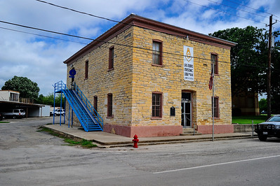 Original Kinney County courthouse now a Masonic lodge