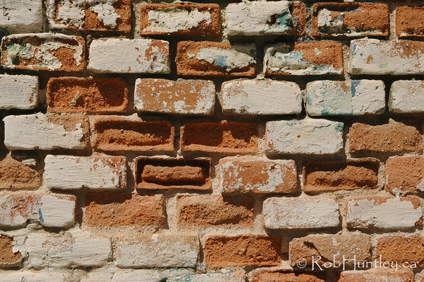 Detail of a crumbling brick wall in Santa Maria Huatulco, Mexico.  © Rob Huntley