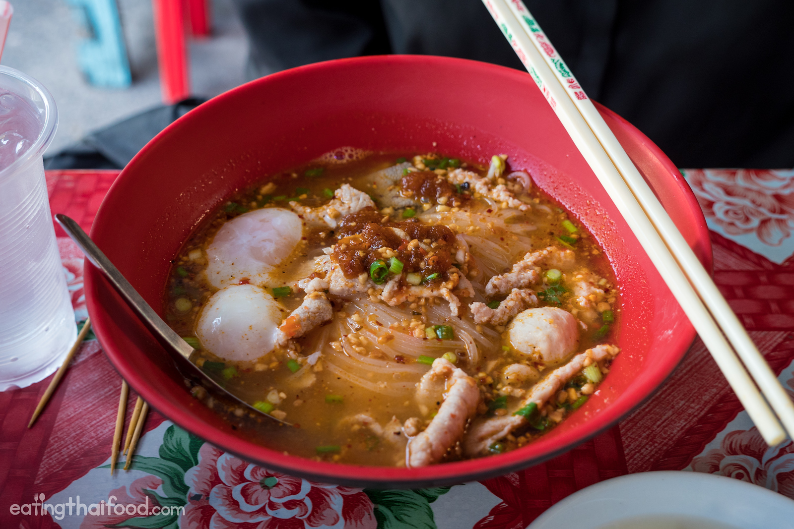 Thai tom yum noodles