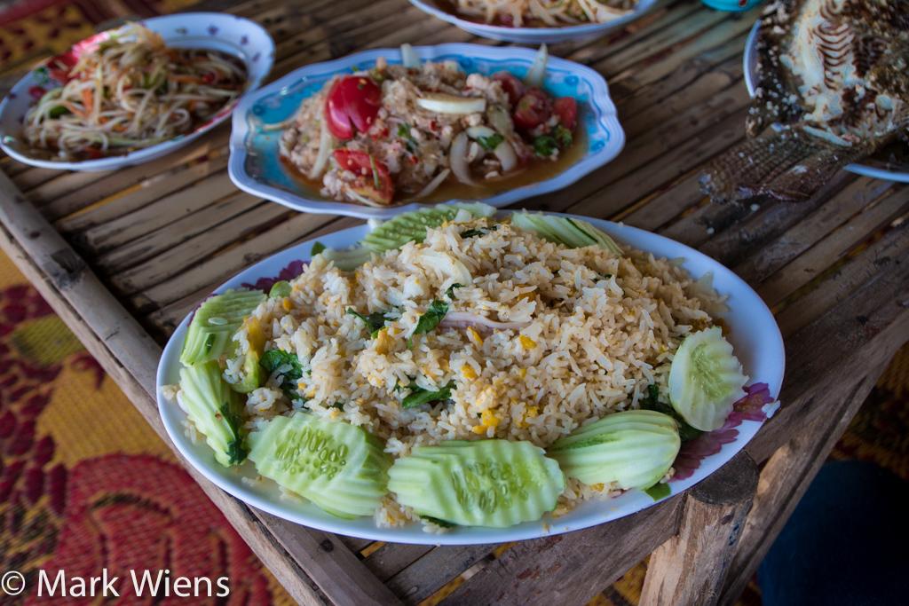 Khao pad (ข้าวผัด)