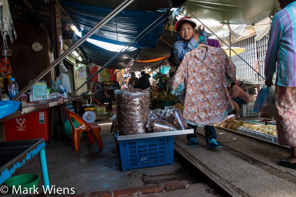 Maeklong Railroad Market