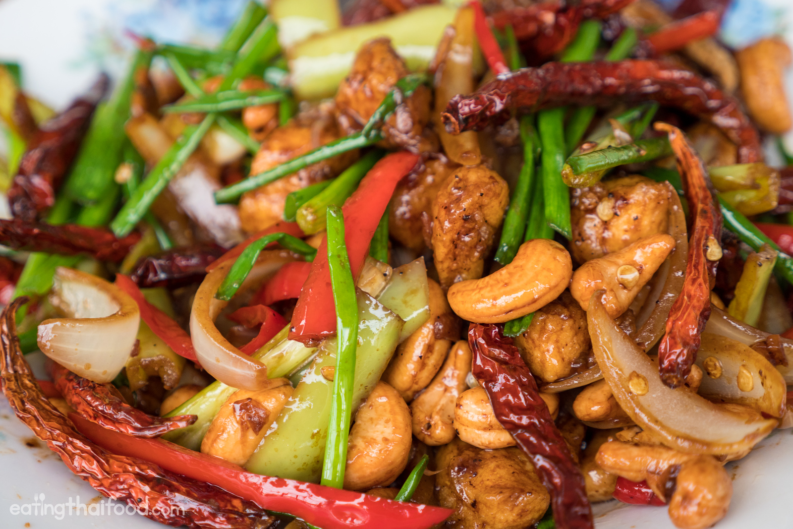 Amazing thai cashew chicken recipe authentic and easy to make thai cashew chicken recipe forumfinder Gallery