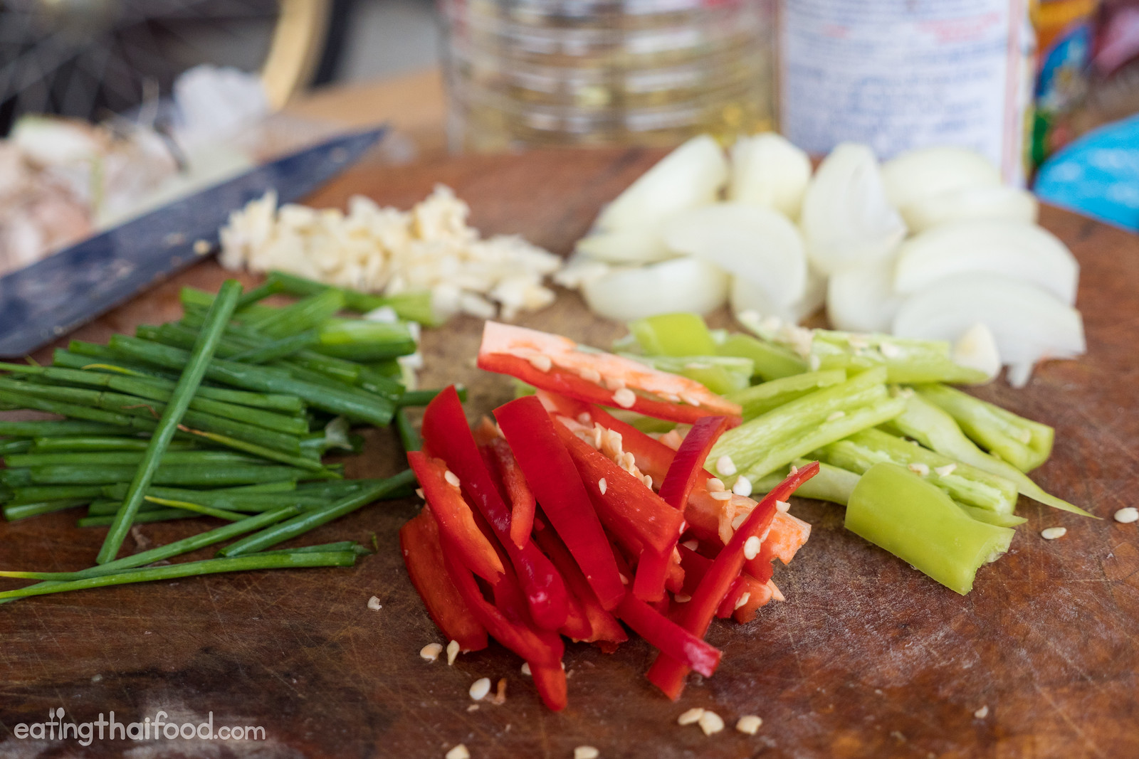 how to make Thai cashew chicken