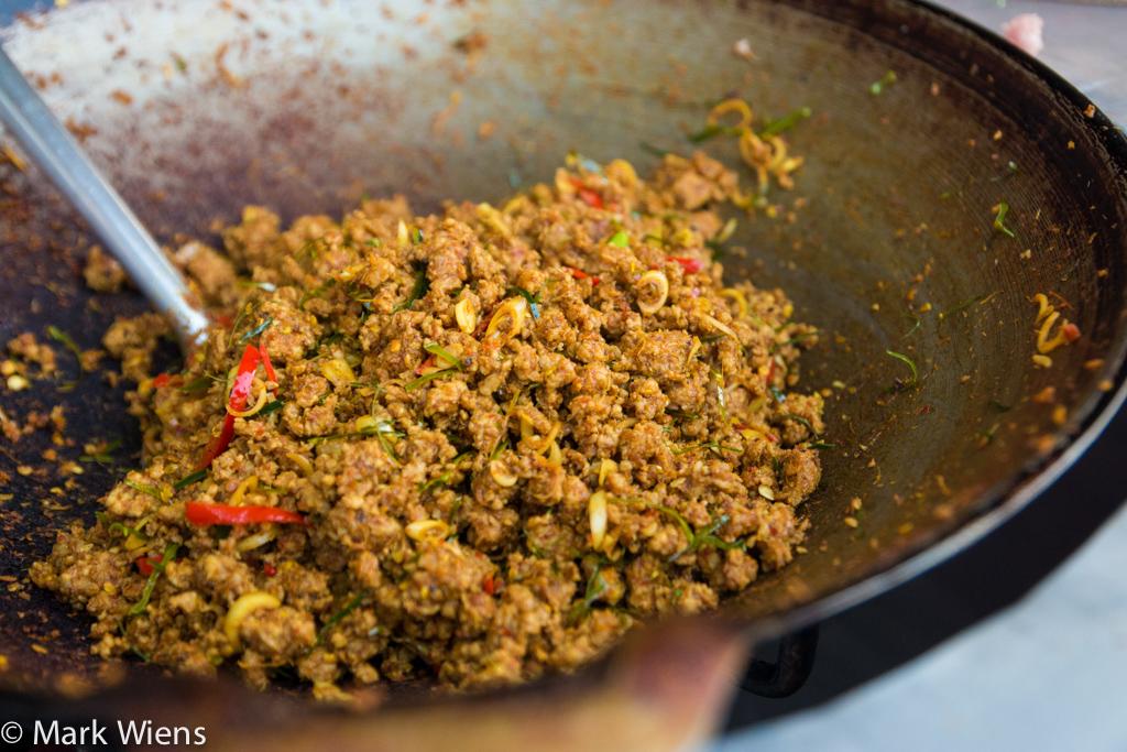 how to make khua kling (คั่วกลิ้ง)