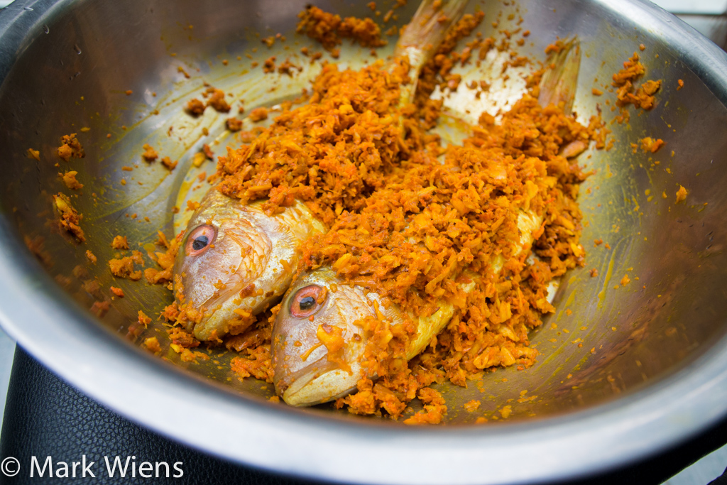 Thai fried fish with garlic and turmeric