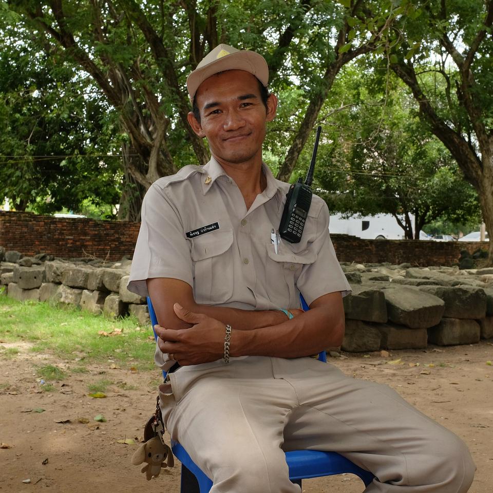 Wat Mahathat ranger