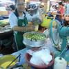Talad Thanin (market) 3 :making kanom