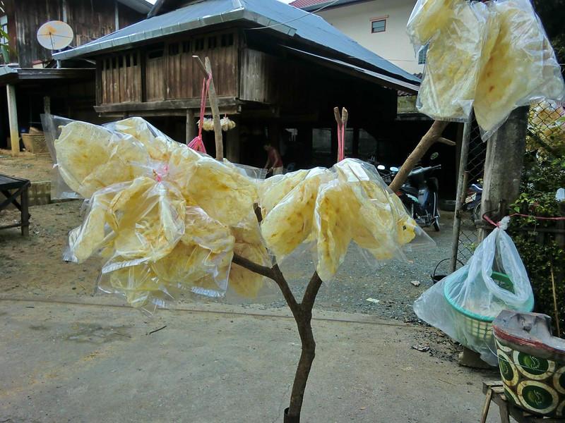 San kamphaeng market 2