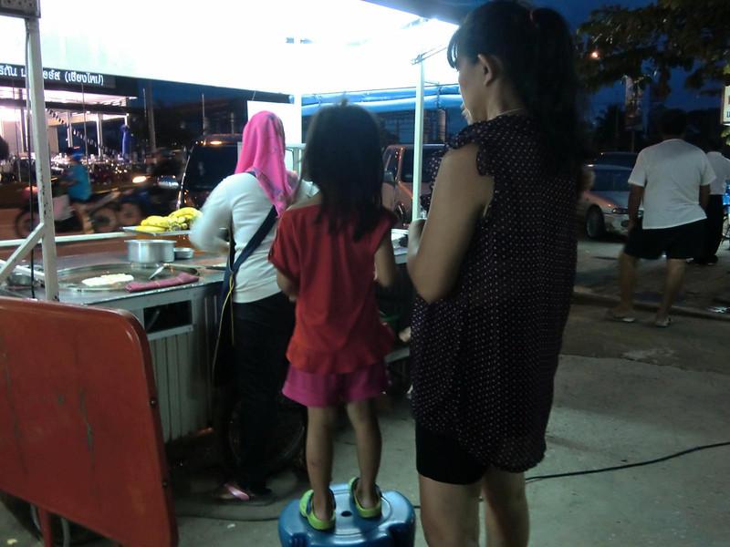 Roadside dining: Thai style 7
