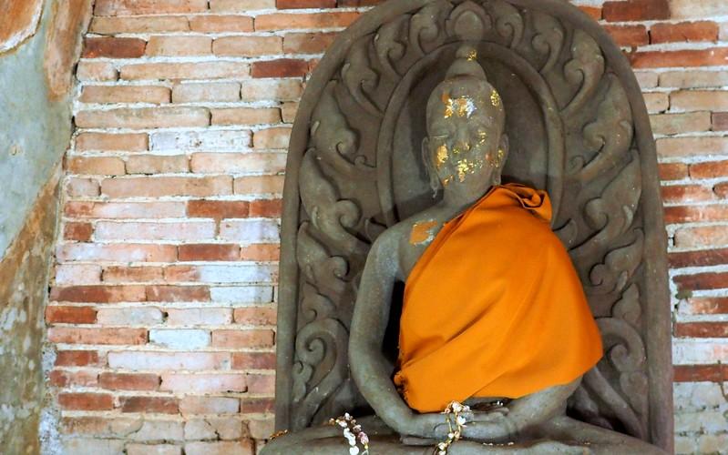 Touring Wat Umong