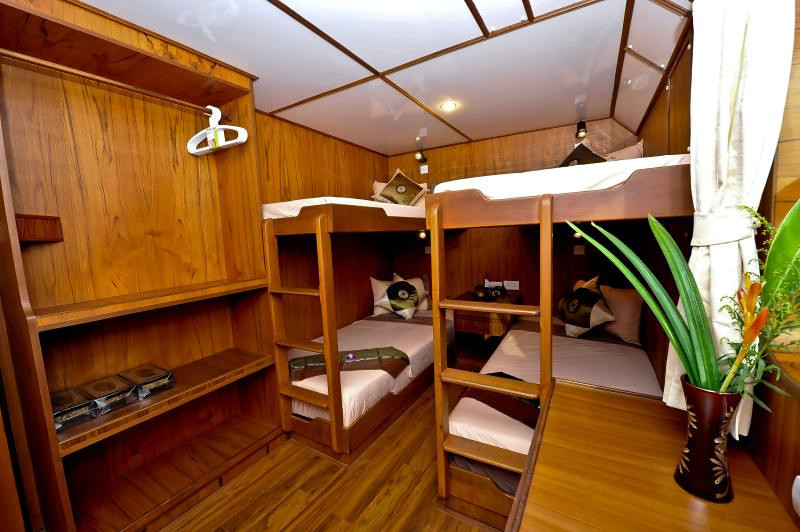 White Manta Thailand Liveaboard En Suite Cabin 5 (Main Deck)