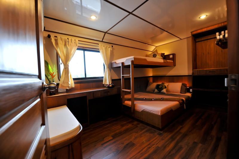 White Manta Thailand Liveaboard En Suite Cabin 7 (Main Deck)