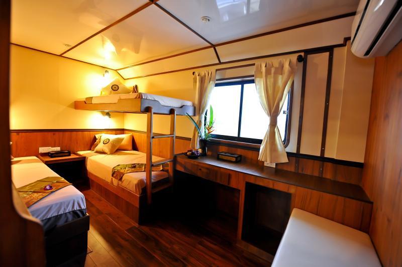 White Manta Thailand Liveaboard En Suite Cabin 8 (Main Deck)