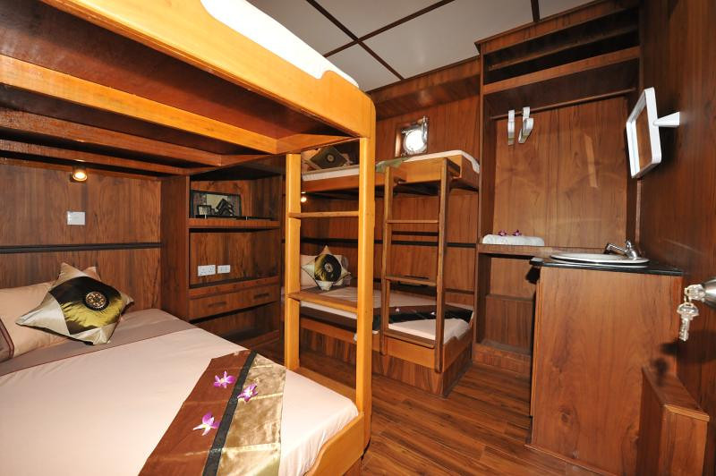 White Manta Thailand Liveaboard Cabin 11+12+13+14 (Standard Quad)