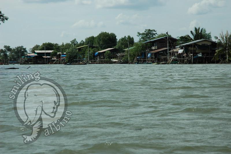 Coming back into Mae Khlong