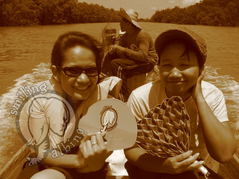 Bow & Kae enjoy the longtail boat ride out of Mae Khlong into the Gulf of Thailand