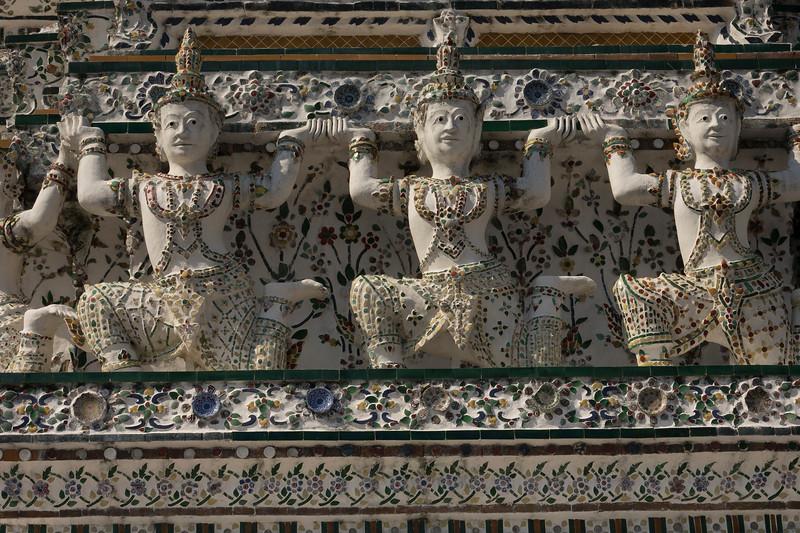 Embellishment carvings at Wat Arun